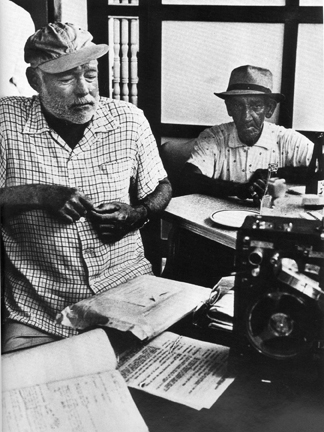 Hemingway and Anselmo Hernandez at La Terraza