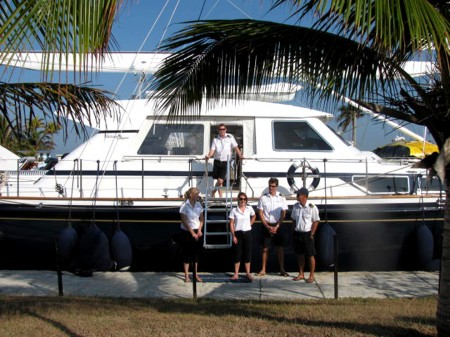 The crew of Unplugged awaiting our arrival at Marina Hemingway.