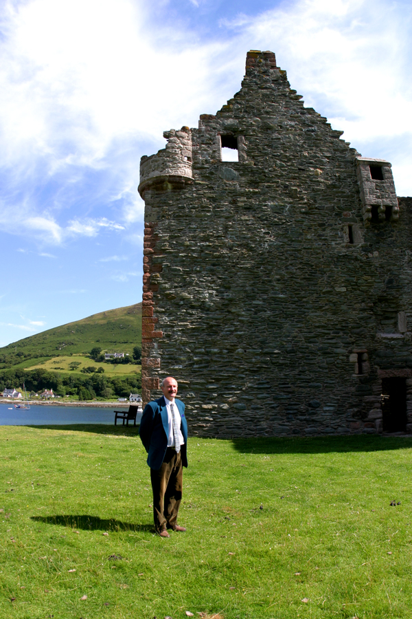 Charles Hunter at Lochranza Castle. Photos by David Lansing.