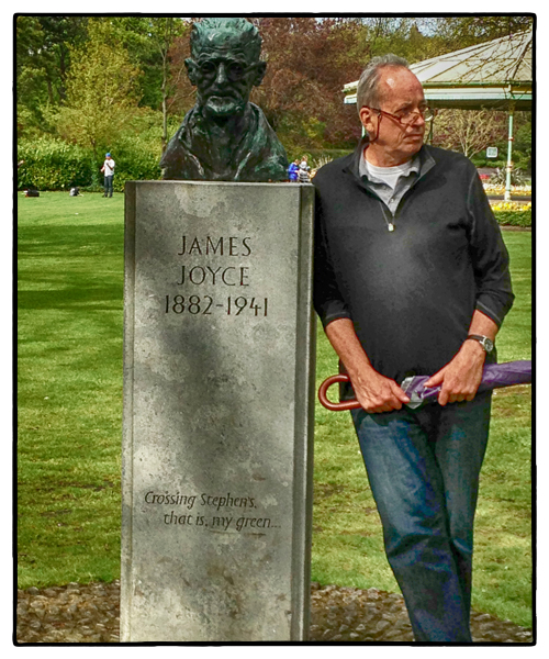 James Joyce in St. Stephen's Green, Dublin